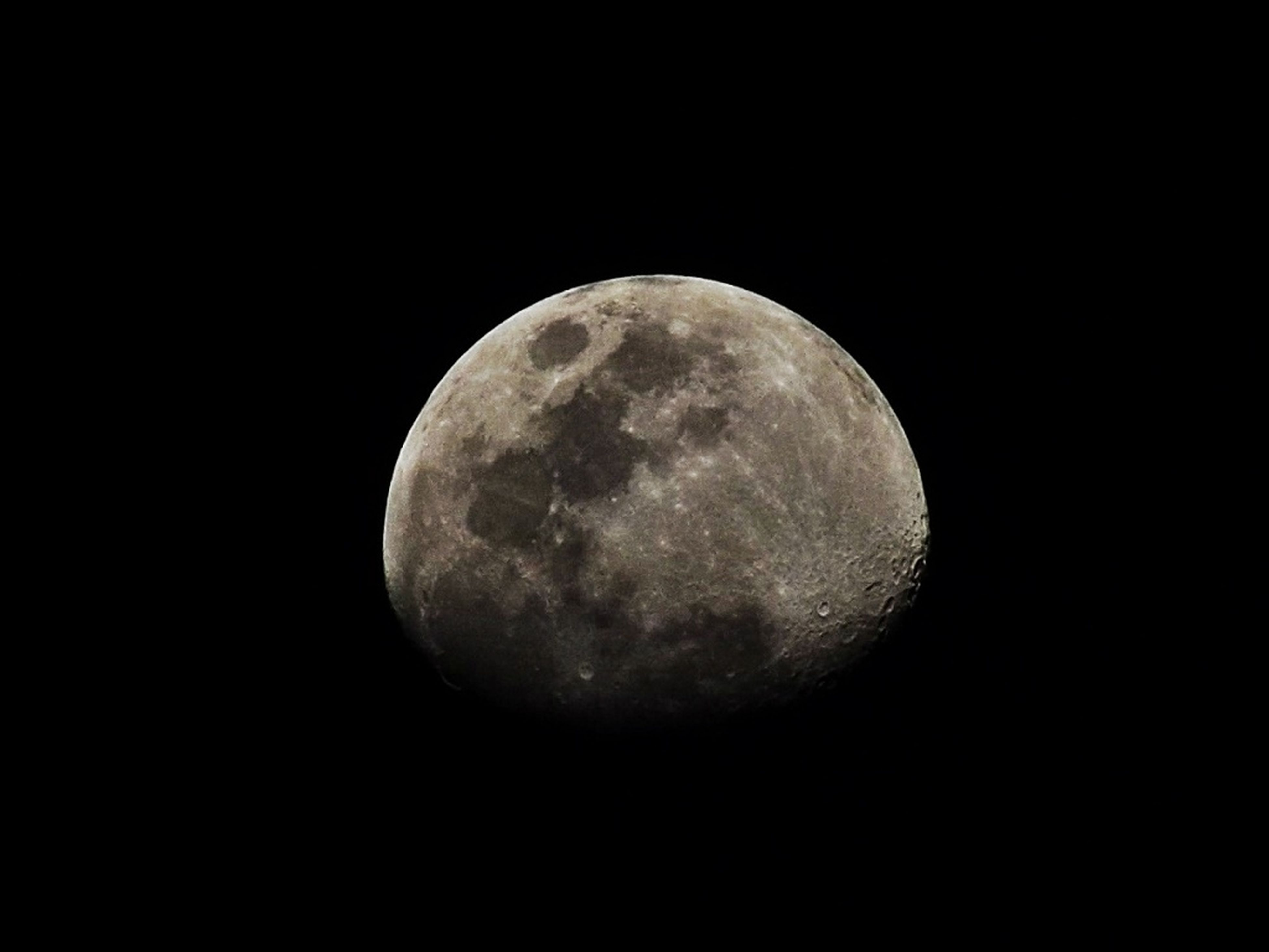 moon, astronomy, full moon, sphere, night, planetary moon, circle, moon surface, discovery, space exploration, low angle view, copy space, exploration, beauty in nature, nature, tranquility, dark, tranquil scene, scenics, sky