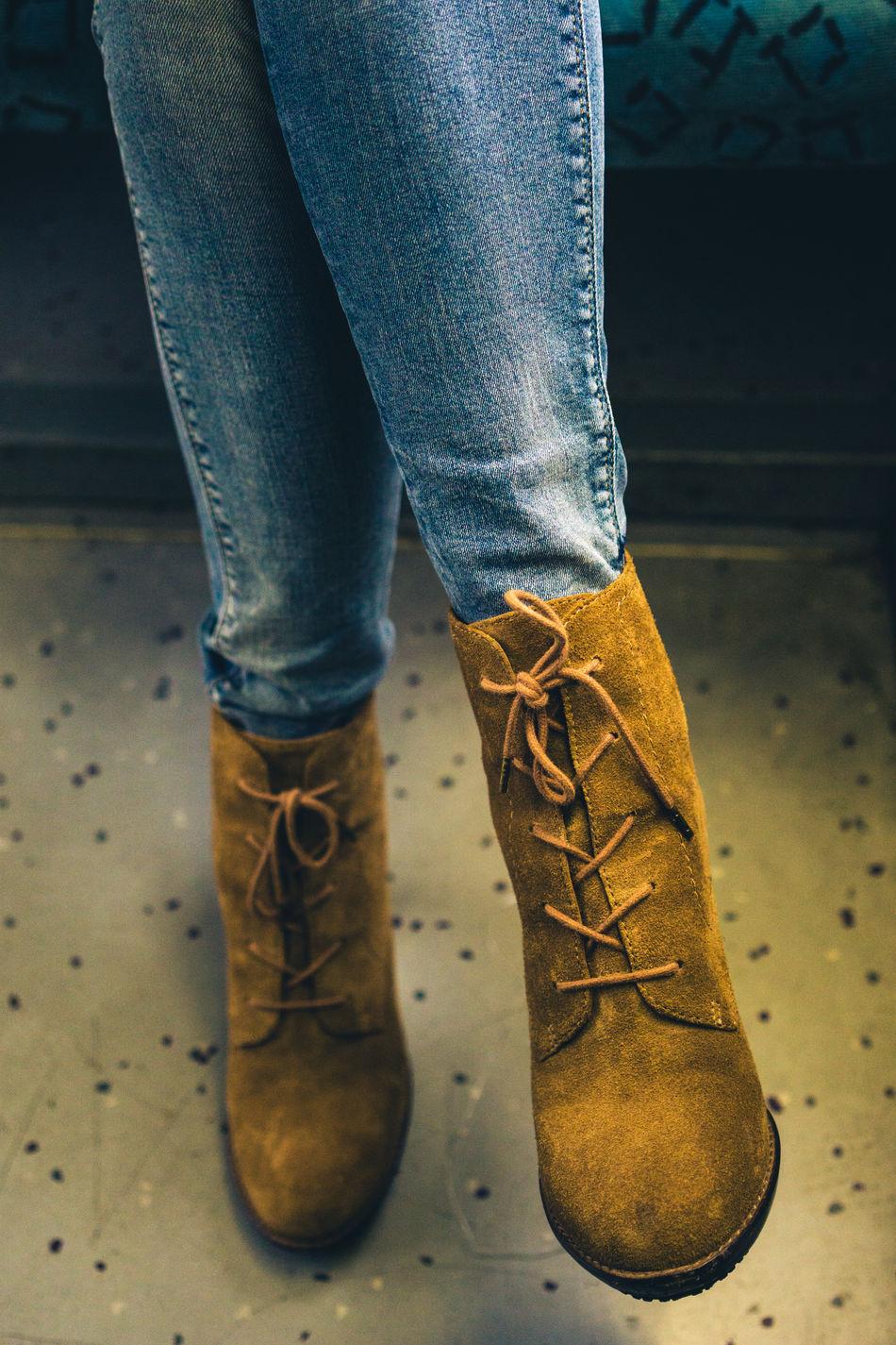 Woman's suede shoes Clothes Fashion Jeans Legs People Shoes Suède Train Urban Woman