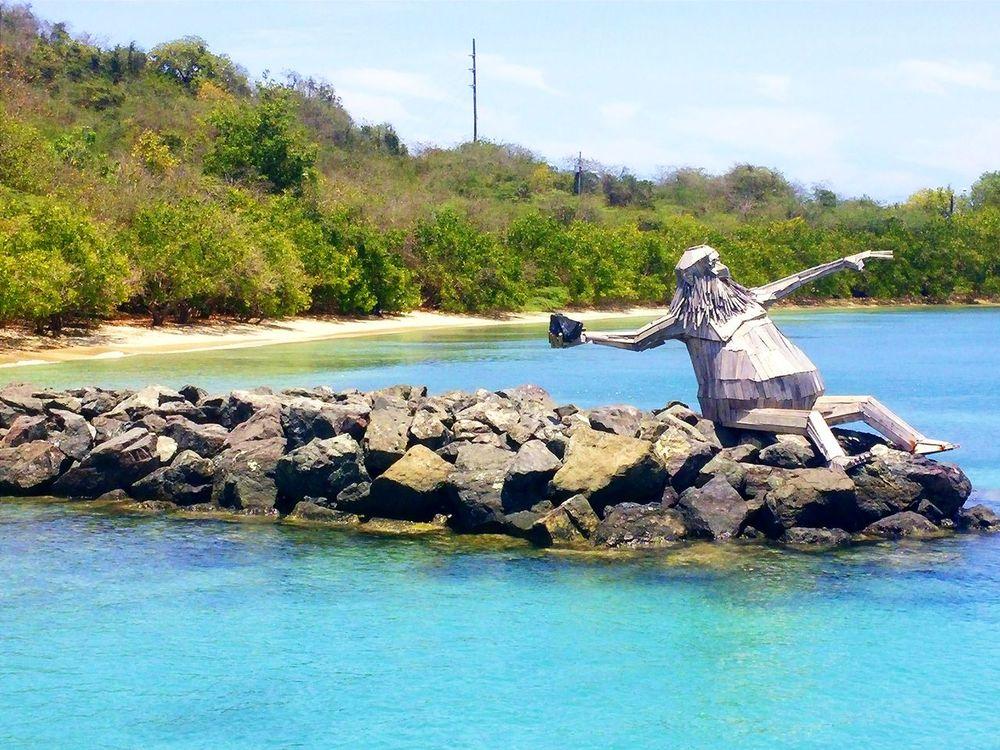 Hector el Protector (escultura) Artista: Thomas Dambos Hector El Protector Culebra Puerto Rico