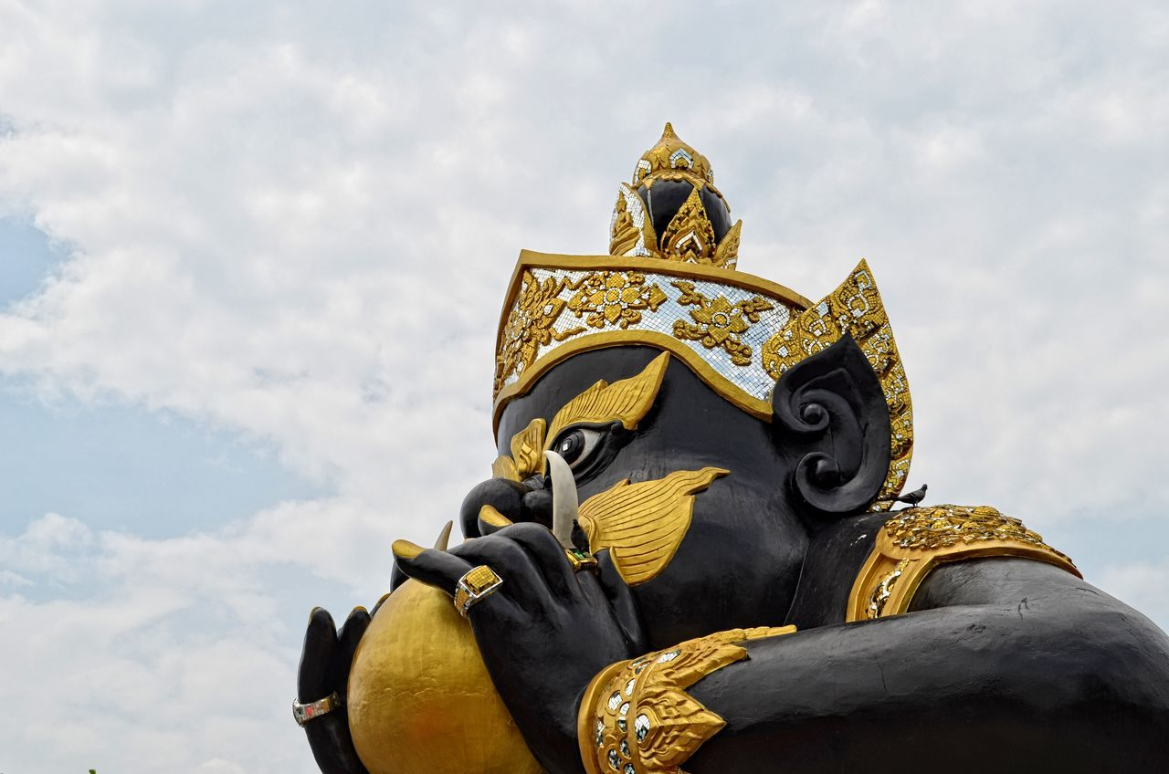 Art Carving - Craft Product Close-up Cloud Cloud - Sky Cloudy Craft Creativity Day Design High Section Low Angle View Ornate Outdoors Sculpture Sky Statue Temple - Building Thaiculture Travel Destinations