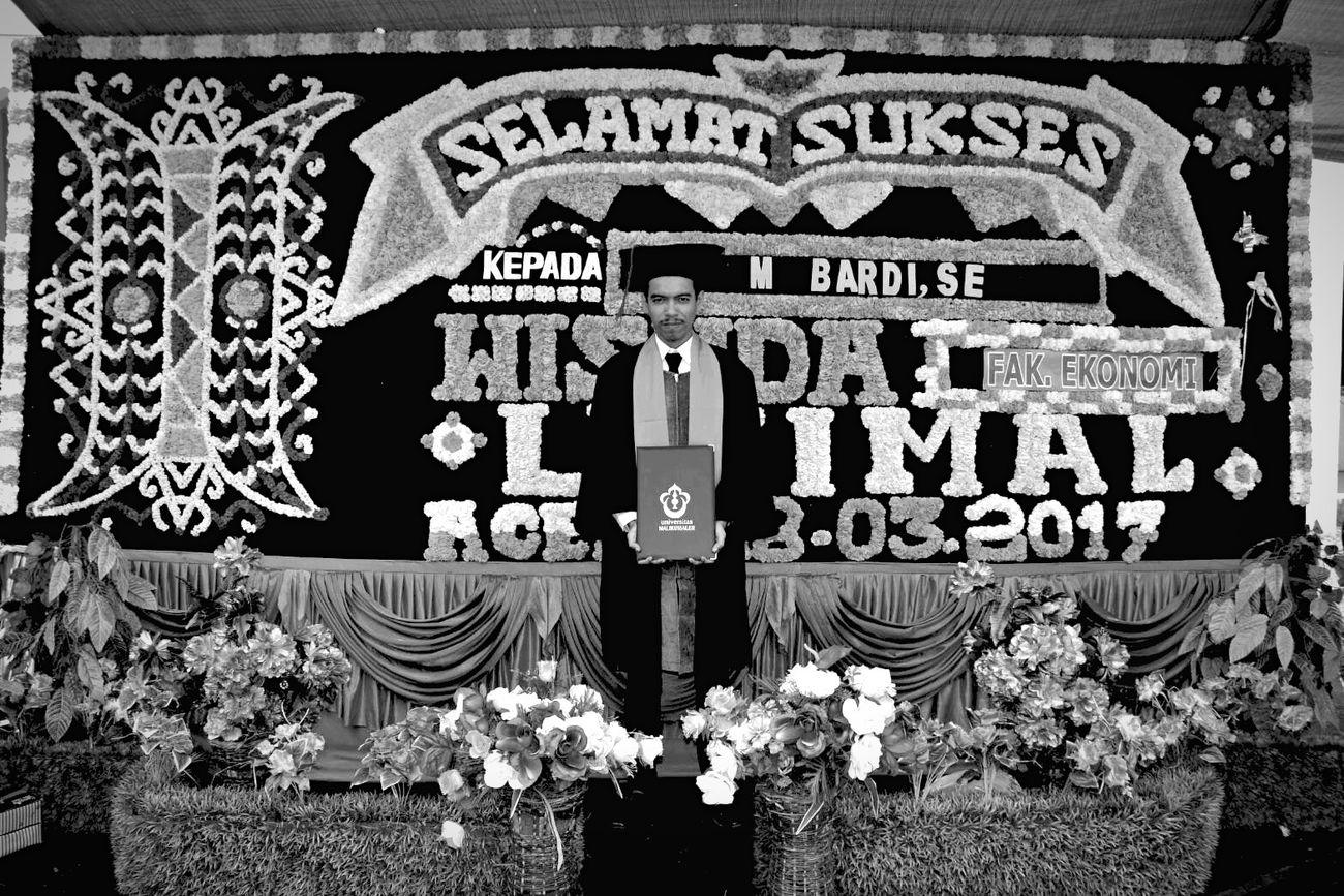 Graduation Congratulations Wisuda Happy EyeEm Blackandwhite