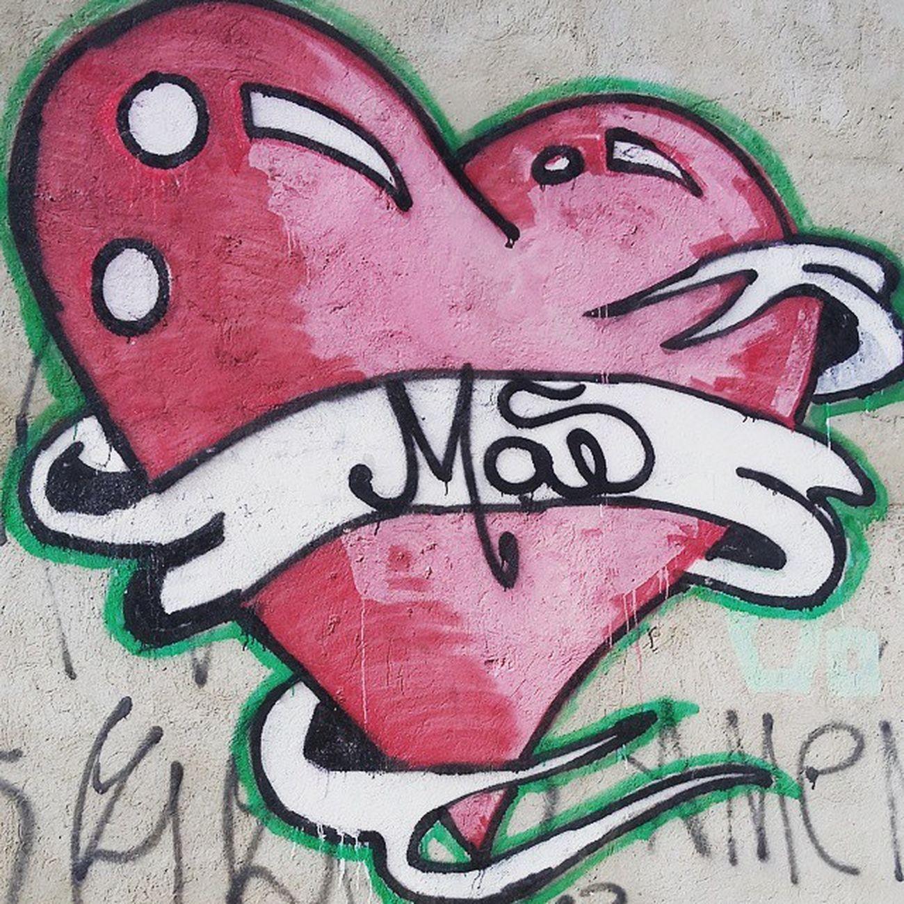 Mto bacana as pinturas descendo a rua da minha casa, homenagem à mãe ♡ Mom Mother Mamãe Amormaior
