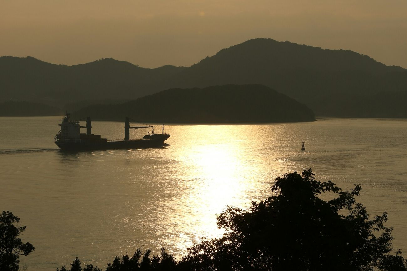 Taking Photos EyeEm Best Shots - Landscape フリースタイルで楽しむ写真 Sunset Light And Shadow