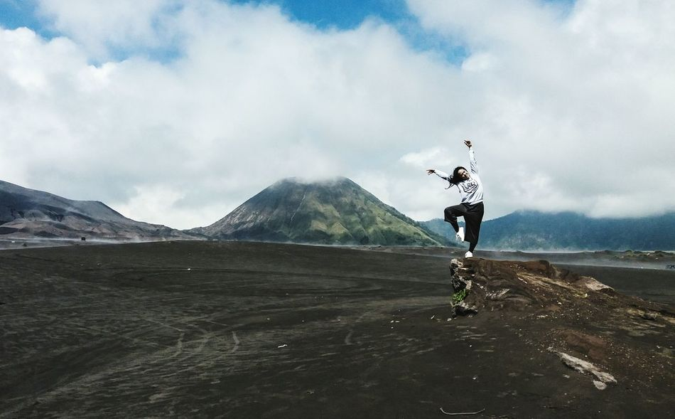 My Year My View Birthdaygift Travel Bromo Mountain Bromo Mountain Indonesia Photography Photograph Nature Motion Eyeemmarket EyeEm Eyeemphoto EyeEm Gallery Eye4photography  Nature_collection Naturelovers Mountain Mountain View Desert