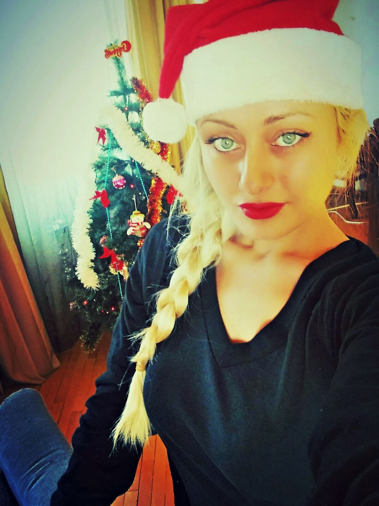 Merry Christmas ♡ Christmas Time Christmas Is Coming Beauty ThatsMe Woman Of EyeEm Christmas Decorations Christmas Tree Hello World People Beautiful Day Season  Christmas Around The World Jolly