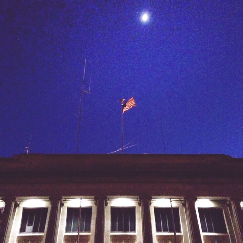 Moonroof Flag America American Flag Courthouse Night Nightphotography Built Structure Architecture Nightlights American Dream Moon Moonlight MoonScape Moon Light Moonshine