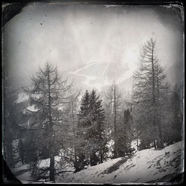 Snow and clouds The_guido Hipstamatic Blackandwhite