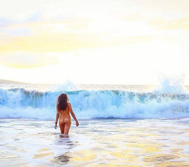 Sea siren Maui Beautiful Goddesses Freethegoddess Blessed  Youonlyliveonce Befree Amazing Model Love Beauty Mauiphotography Mauinokaoi Mauiportraits Sea Seanymph Siren Seasiren Hawaii Vixen Nature Girls Paradise Yogalove Yogagirl @amandolin33
