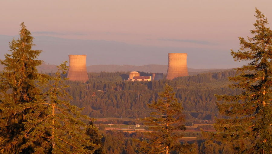 Old abandoned Satsop nuclear power generating plant in Elma as seen from the hills above Montesano. Abandoned Atom Atomic Cooling  Day Energy Gold Golden Green Industrial Industry Nuclear Nuke Orange Outdoors Plant Power Red Satsop Satsop Nuclear Power Plant Sunset Sunset_collection Towers Whoops! WPPSS