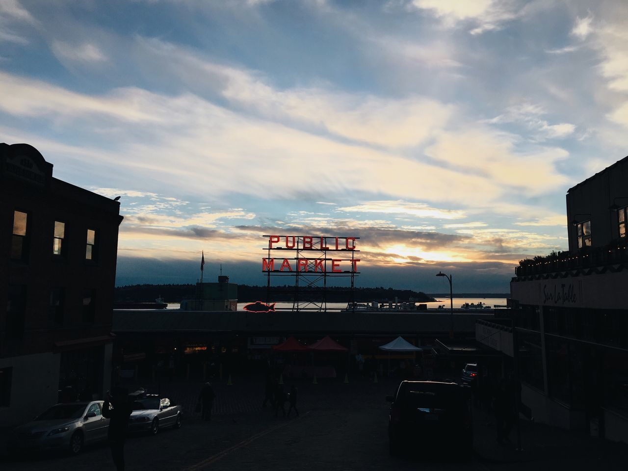 haven't walked through the market in a while. long way home, after work. Seattle