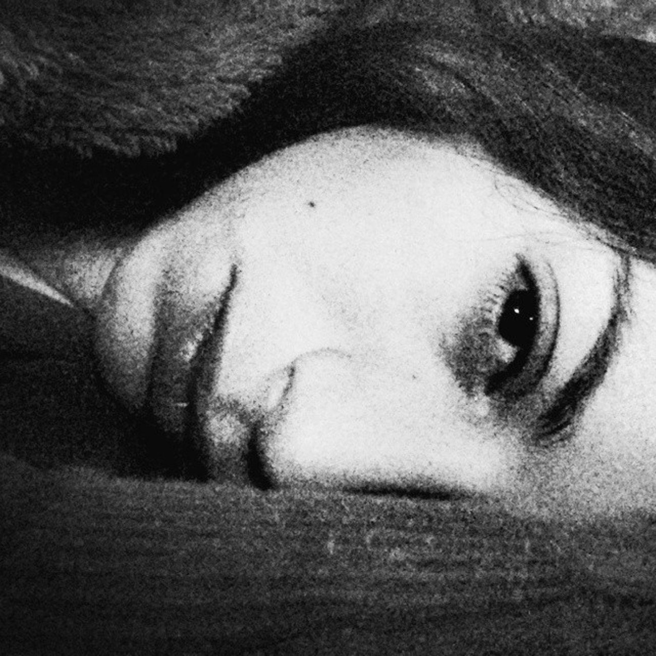 Upallnight Cold Retrato Photograph Pensamento Instaevening