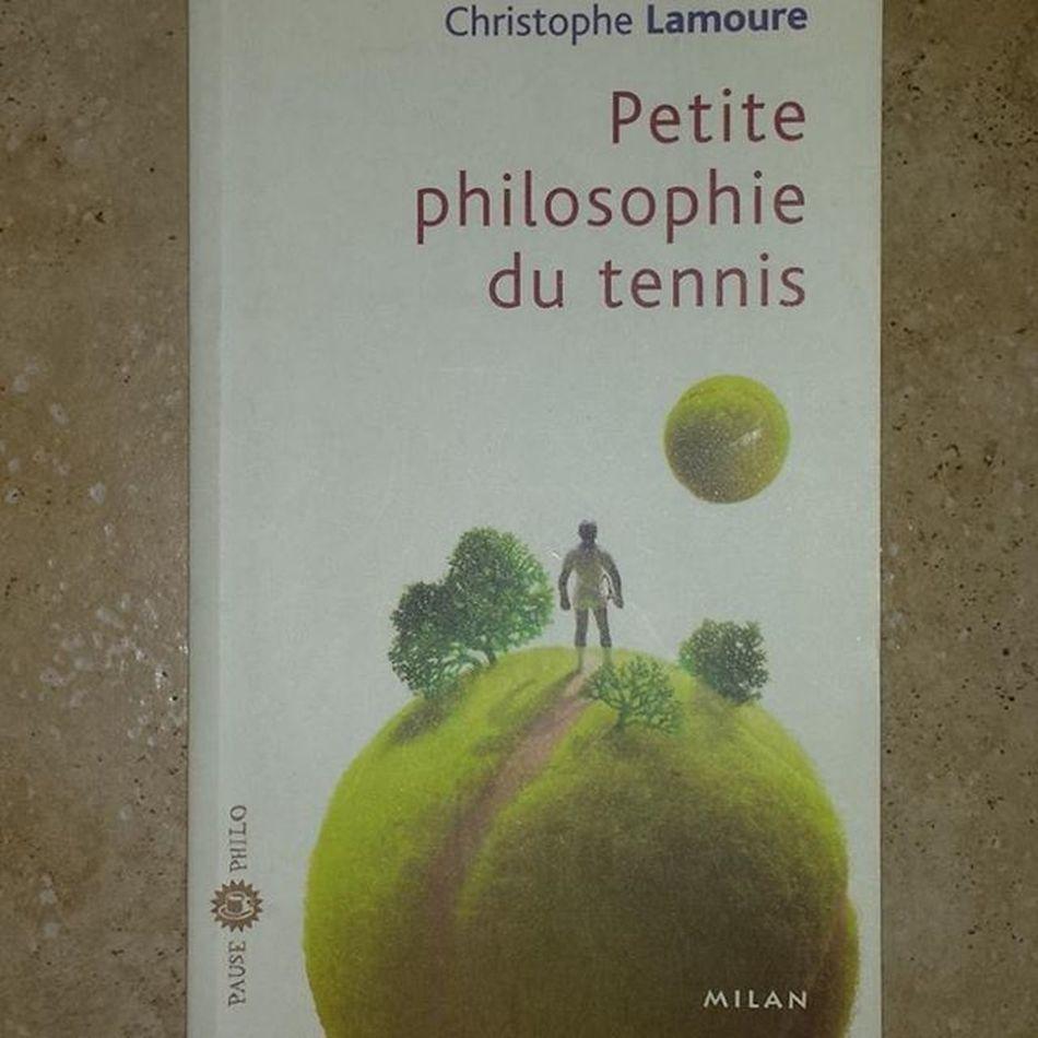 """Petite Philosophie du Tennis ChristopheLamoure ÉditionsMilan PausePhilo """"Le plus sûr est donc de n'être sûr de rien"""" Voltaire"""