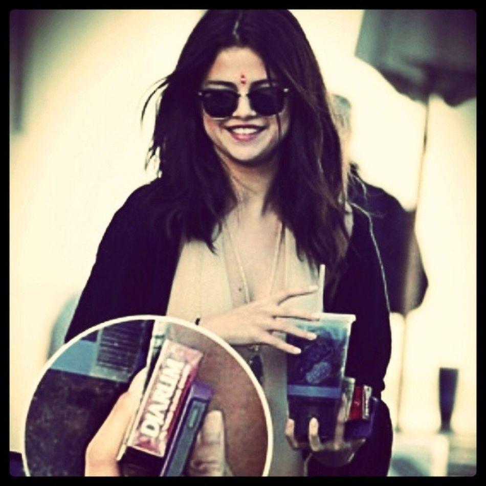 Selena Gomez Smoke Djarum Super Made In INDONESIA The Real Adventure Instaedisi Rokok Djarum