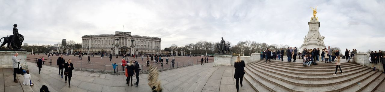 Travel Destinations Tourism Large Group Of People Architecture Travel Building Exterior City Tourist Real People Outdoors Uk Buckingham Palace London Panorama