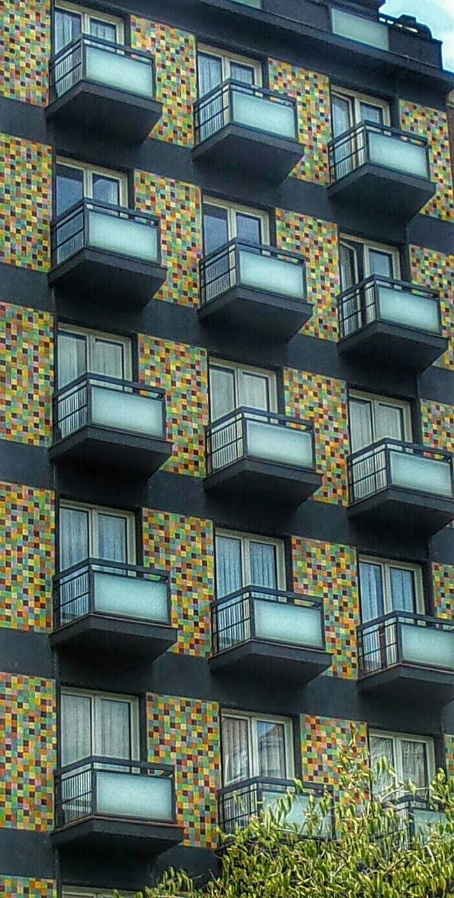 Pixeled building! Awesome Architecture ArchiTexture A Touch Of Colour Colores in Madrid