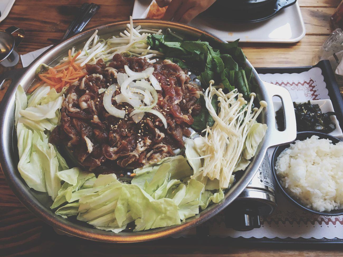 新興區 四月 April Kaohsiung Taiwan 高雄 Taiwanese Lunch Food 午餐 早午餐 韓式 韓式料理 臺灣 晴天 熱 烤肉 韓式烤肉