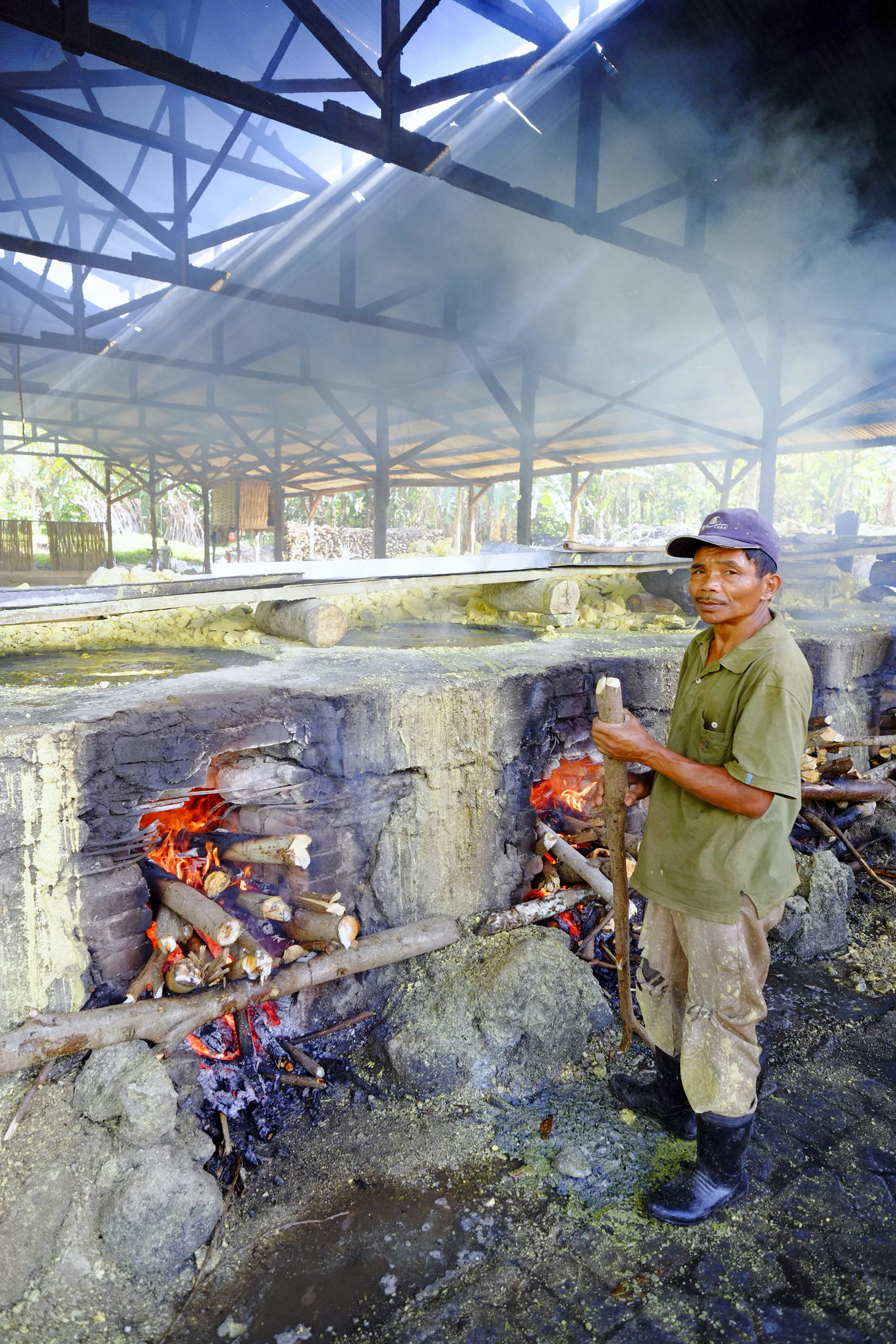 Sulfur mainer in action Cooking Daily Life Factory INDONESIA People Process Sulfur  Sulfur Miners Workers At Work