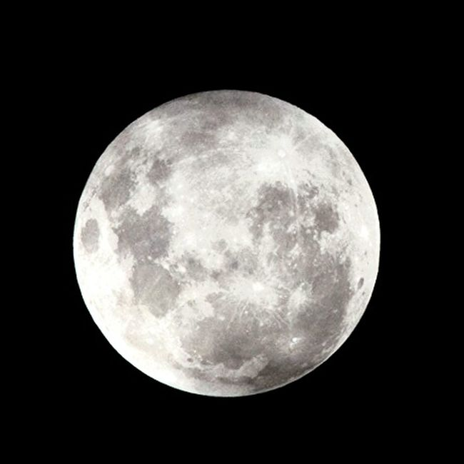 ...zoom in in in Supermoon Moonlight Close-up Check This Out Hello World Astrophotography The Moon Tonight Taking Photos Nikon D800