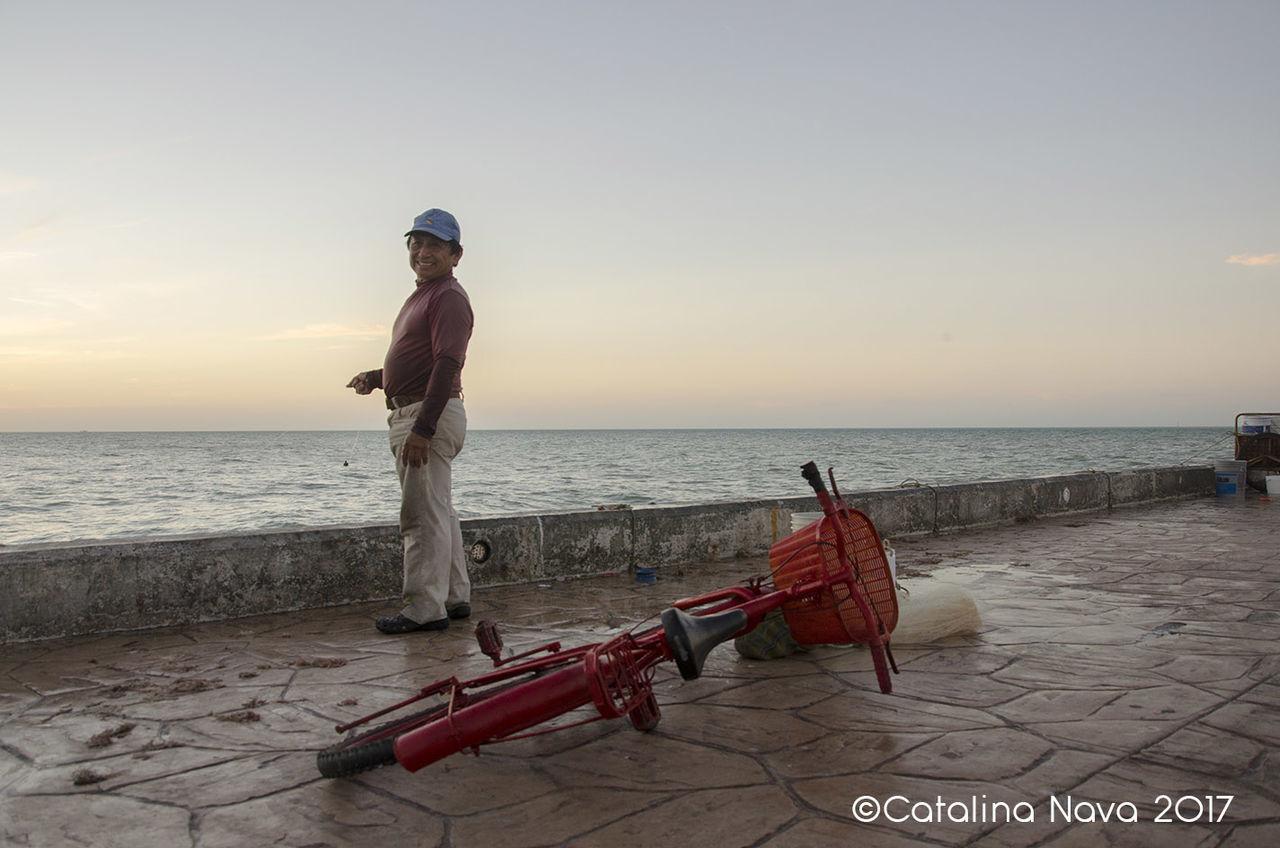 People Sea Adult Fisherman's Friend Yucatán, México PuertoProgresoYucatan Fishing Time People And Nature People And Places Bike Redbike Bigsmile😁😘 Lifeatthebeach LifeIsGood💜