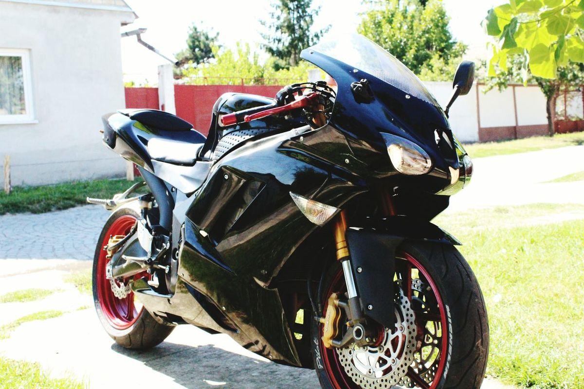 Motorcycle Day Outdoors No People Lovemotorcycles Black Photography Photographer Kawasaki Ninja 😍✔💥