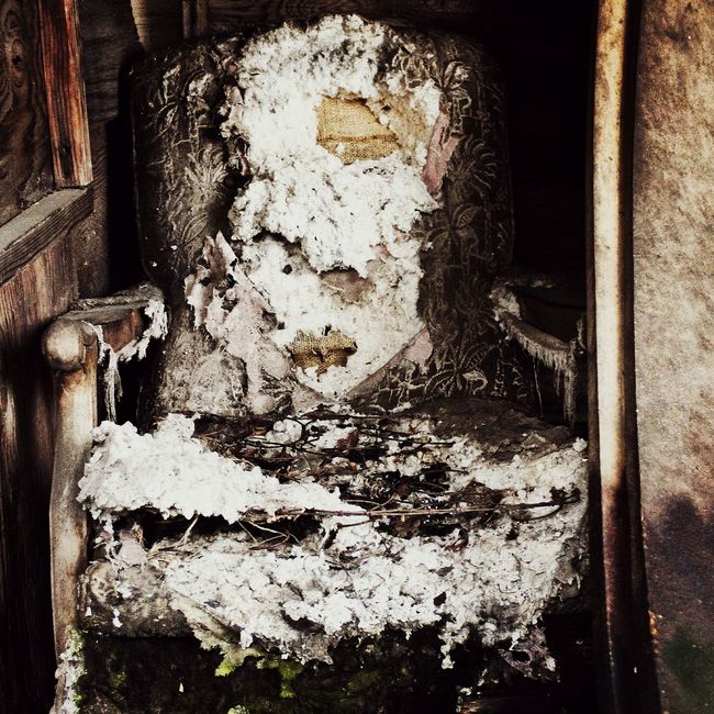 Taking Photos Check This Out Lifestyle Textures Washington State Creepy Art Broken Chair Barnlife EyeEm Gallery