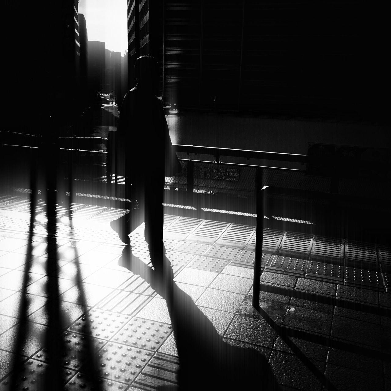 Streetphotography The Street Photographer - 2016 EyeEm Awards Streetphoto_bw Blackandwhite Light And Shadow Lightplay