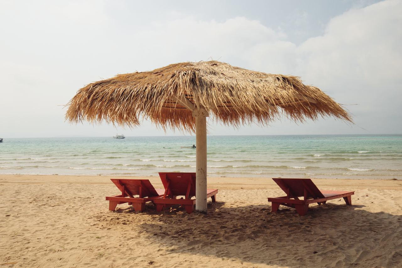 Beach Beach Umbrella Koh Mark, Trad, Thailand Sand Scenics Sea Sky Vacations Water Chairs Chair EyeEm EyeEm Gallery Highquality