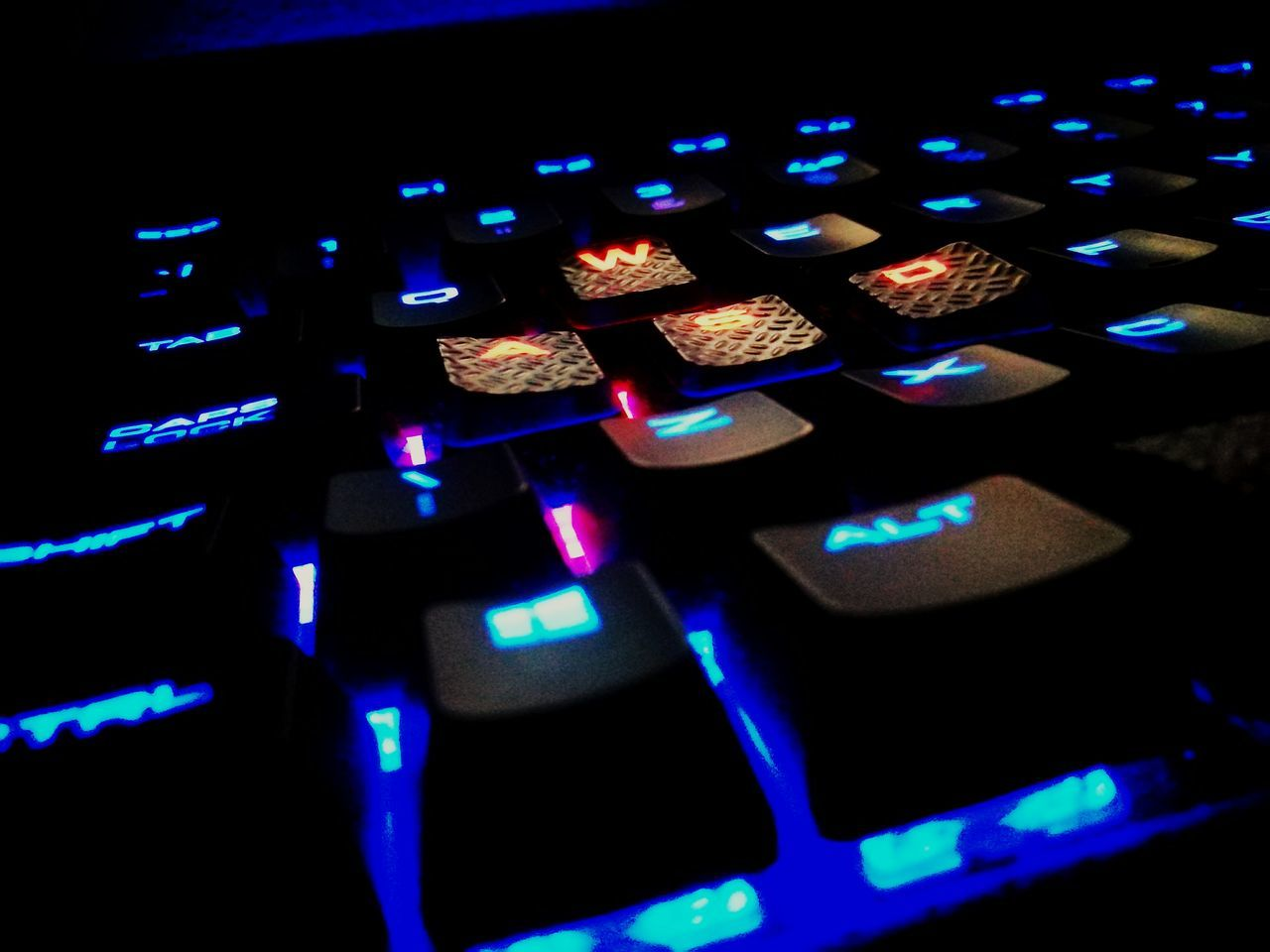 Close Up Technology let there be light Technology Close-up Illuminated Gaming