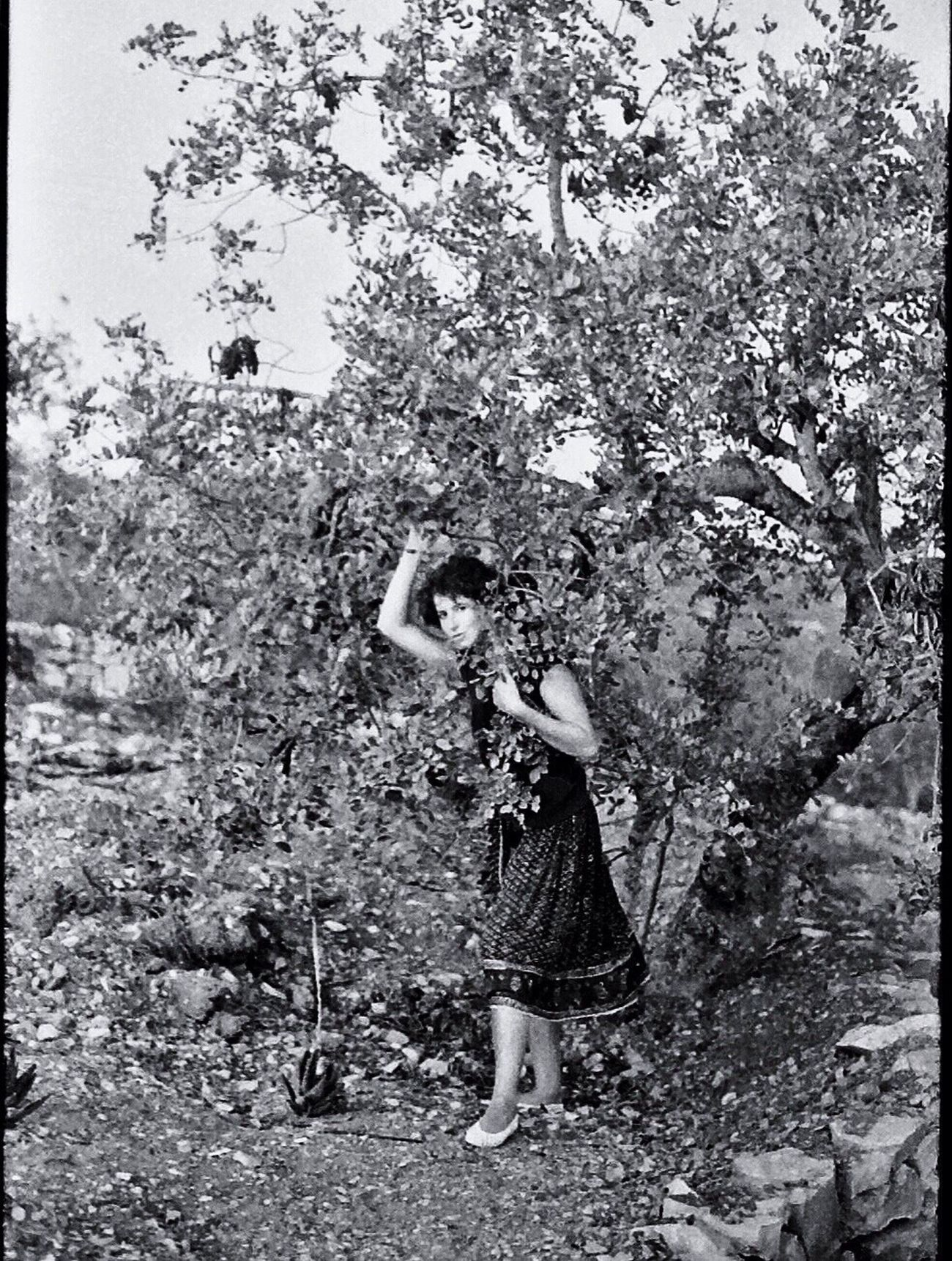 Koduckgirl One Person 1980s Nature Blk N Wht Portugal Nikon FE Tree