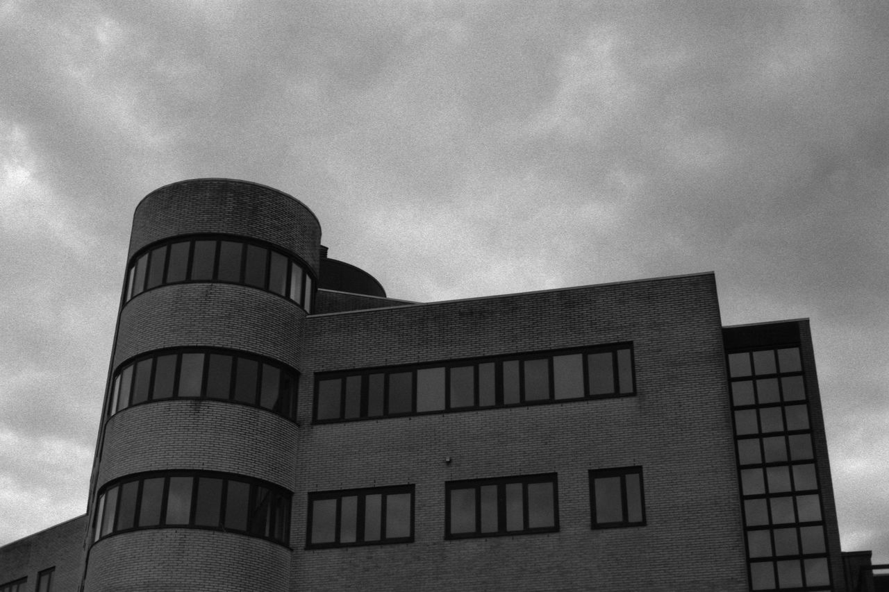 Empty Office Building 35mm Film Analogue Photography Architecture Black & White Bricks Brickwork  Building City Clouds Fomapan100 Glass Masonry Office Office Building Rodinal Round Sky Urban Window