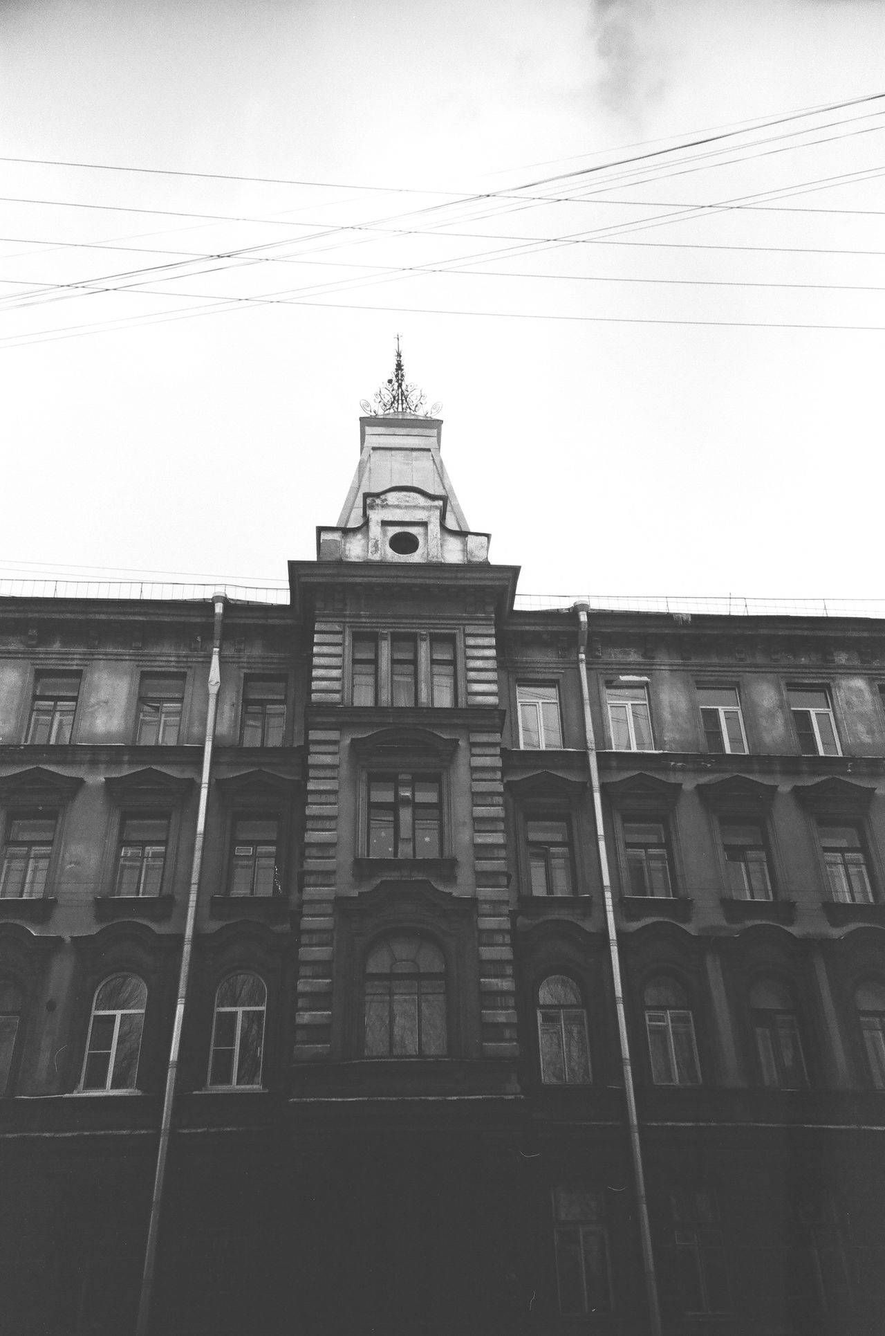 Blackandwhite Shadow Monochrome Darkness 50shades 50shadesofgrey Dark Doublecolors Anticolors Bandw Fiftyshades FiftyShadesOfGrey Façade Facades Black And White Saintpetersburg Petersburg Architecture City Slide Streets Gray Grayscale Noir Monochrome Photgraphy