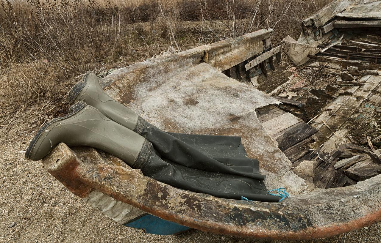 Lakeside Boat Boots Cakirca Deterioration Fishermen Boots Iznik Lakeside Rainboots Reed - Grass Family Reeds At The Lake Reeds, Weeds, Marshland, Marsh, Row Boat Rubber Boots Shoreline Turkey Wood - Material