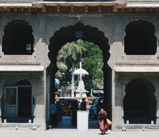 Mysimpleclick Vscoedits Memories DSLR Indore_India Indore_city Rajwadapalace Indiapictures Follow_me Taking Photos Architecture Jj_forum Indiastories Symmetrical Symetrical Building Indian Follow Like Instagood Streetphotography No People Indianlife Built Structure Indiagram VSCO