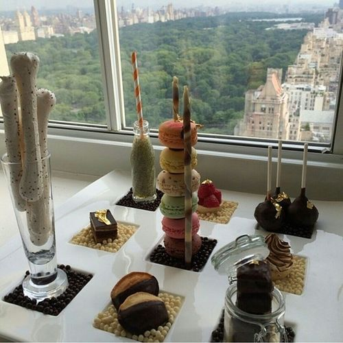 It's a great feeling when something you create gets over 6,000 likes and 4 reposts in 3 countries ! Thank you @mbiaggi !!! @thepierreny @tajhotelsbrazil Amenity Roomservice Luxury Hotel NYC desserts chocolate macaroons whataview havefunwereyouwork ?