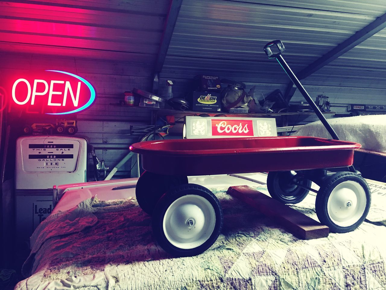 Lieblingsteil Man Cave Wagon  Old Old Stuff Antique Gas Pump Illuminated Communication Land Vehicle Tools Antique Iphonephotography Iphone6plus Iphoneonly IPhoneography Collection Lifestyles