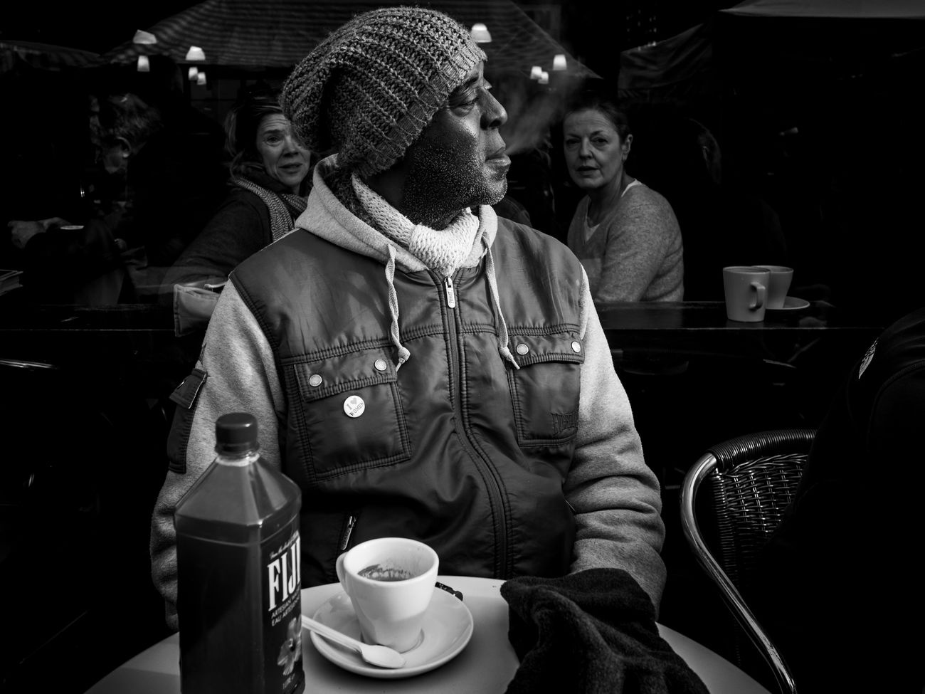Spectators Rawstreets Stranger Olympus Pen-f London Lifestyle Portrait Lifestyles 35mm Street Portraiture Black And White Photography Monochrome Photography Streetlife Prime Lens Maxgor.com Maxgor London City Life Candid People Streetphotography Shadow Light And Dark Light And Shadow The City Light Street Photography City