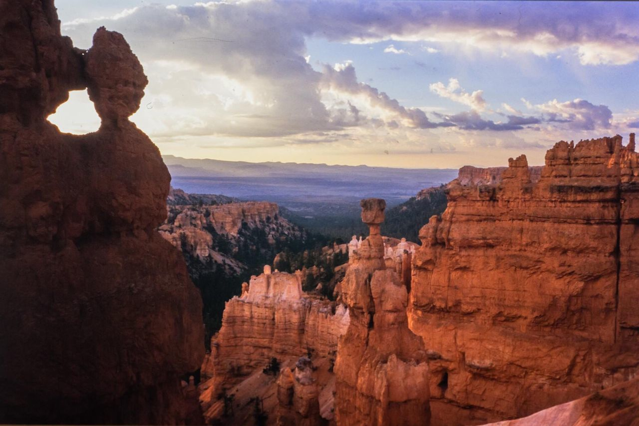 Thor's Hammer Bryce Canyon Utah Rock - Object Rock Formation Geology Sunset Cloud - Sky Sky Nature Beauty In Nature Scenics Tranquility Travel Destinations No People Outdoors Natural Arch Canyon Landscape Day