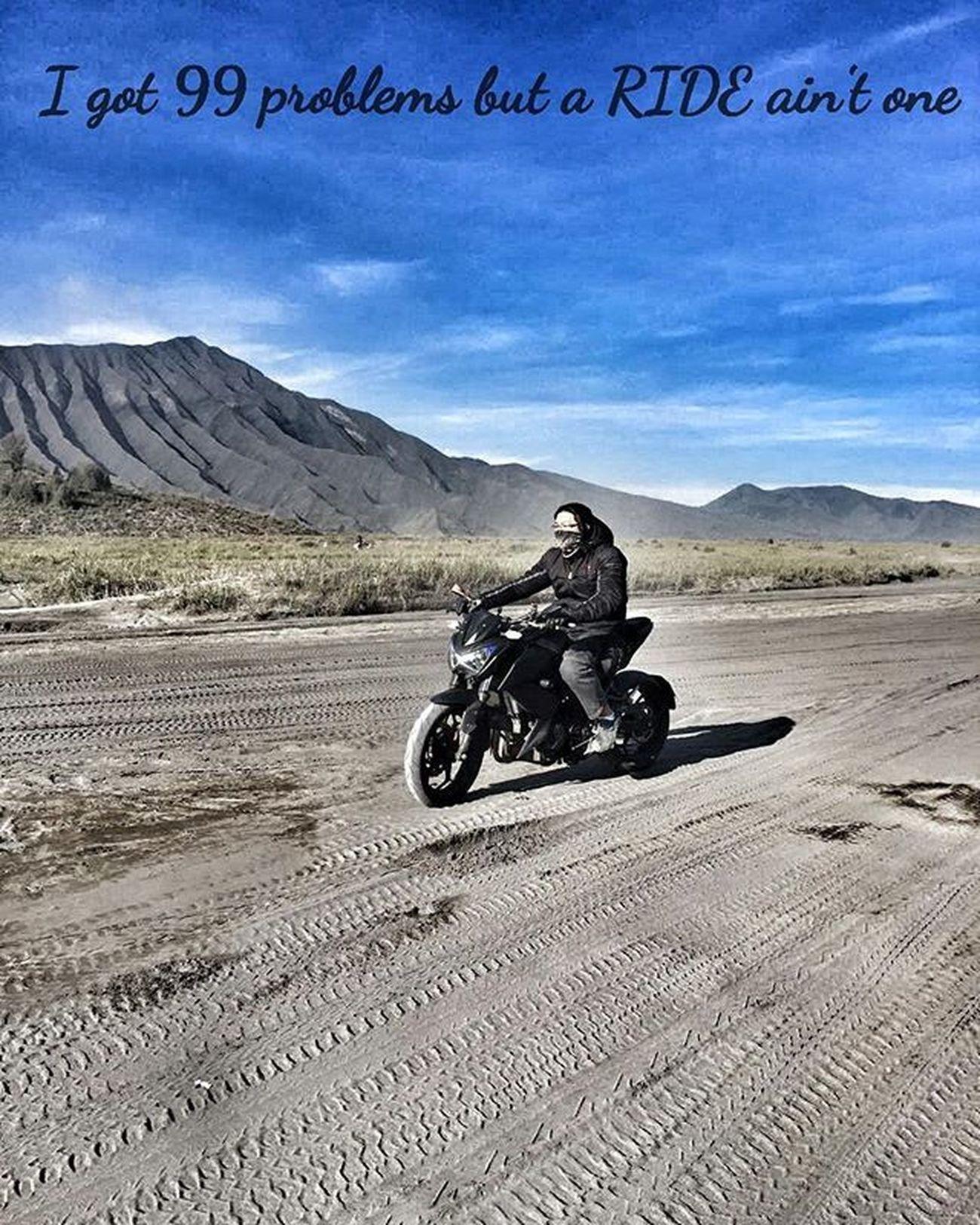 Mountain Bromo Seaofsand Motorcycle Kawi Kawination Kawasakiz250 Kawasaki Z250 Nakedbikenation NakedBike Eatsleepshift🔃 Komine Val  2016 😚 RideOrDie