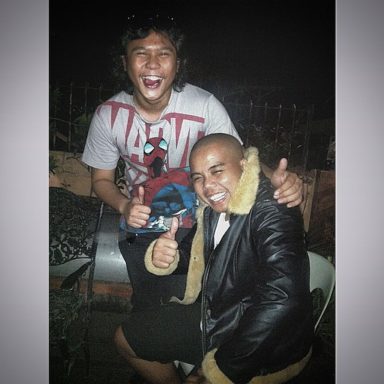 Reunited! Papa Roy with usher the beerday boy! hahaha.. ang mga hasi! Drinktilwedrop
