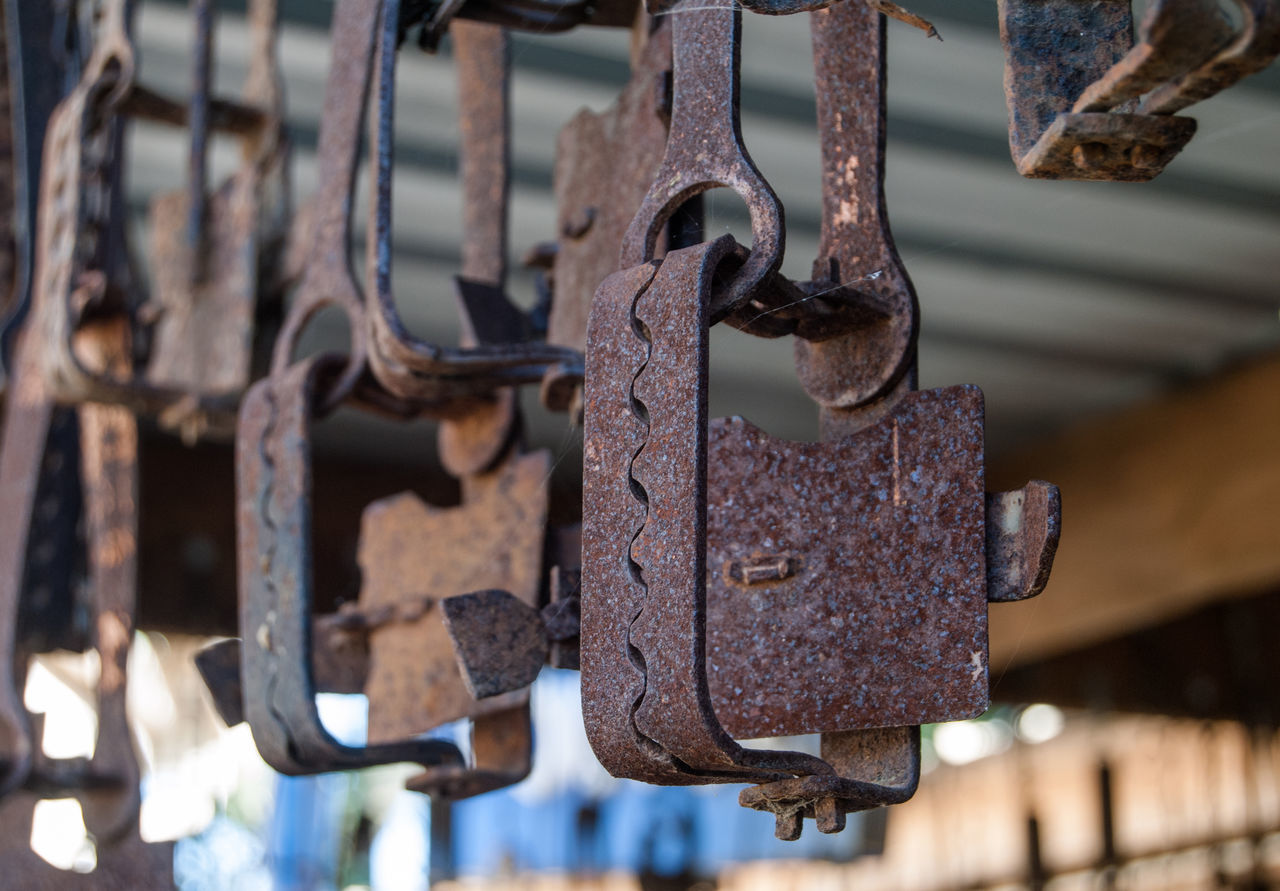 metal, rusty, close-up, security, no people, weathered, focus on foreground, padlock, run-down, outdoors, hanging, latch, abandoned, day
