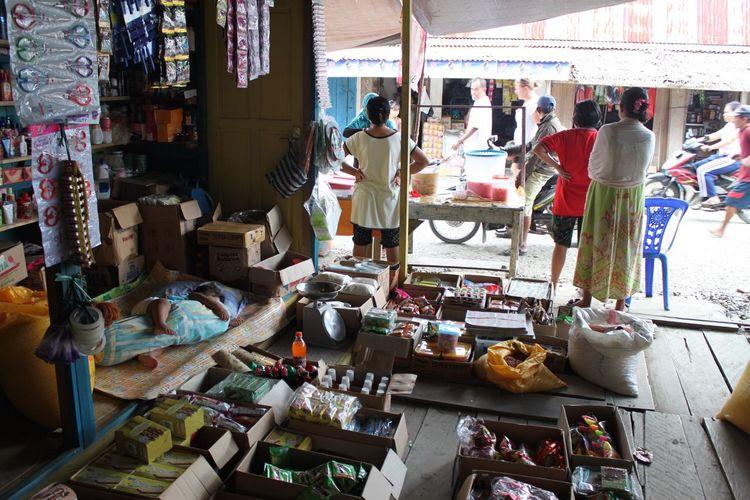 Children Sleeping Day Indoors  Market Men People Real People Retail  Togian Islands... Variation Women The Week On EyeEm The Week On EyeEm