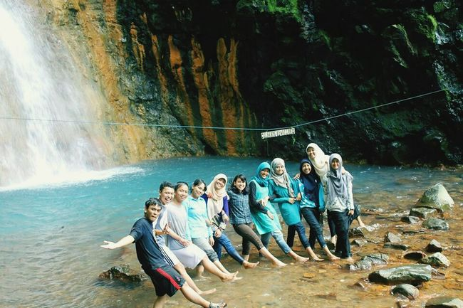 Having fun with lovely friends 💞 Friendship Waterfall Cheers!