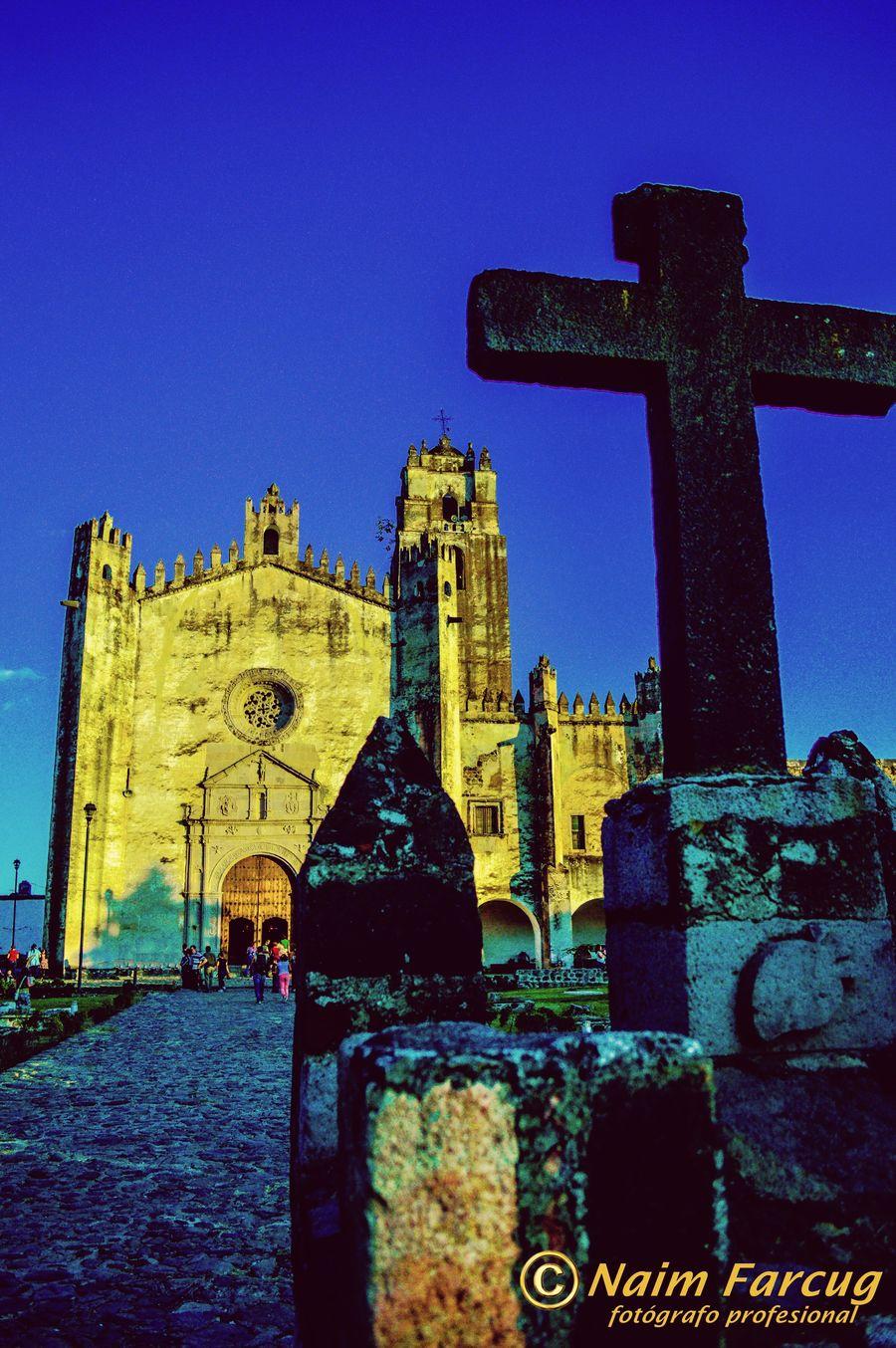 Cruz del atrio Ex Convento de San Juan Bautista en Yecapixtla, Morelos, México Nikon D3200 Gothic Colonial Architecture Mexico Yecapixtla Morelos Medieval Nikon Architecture Rutadelosconventos
