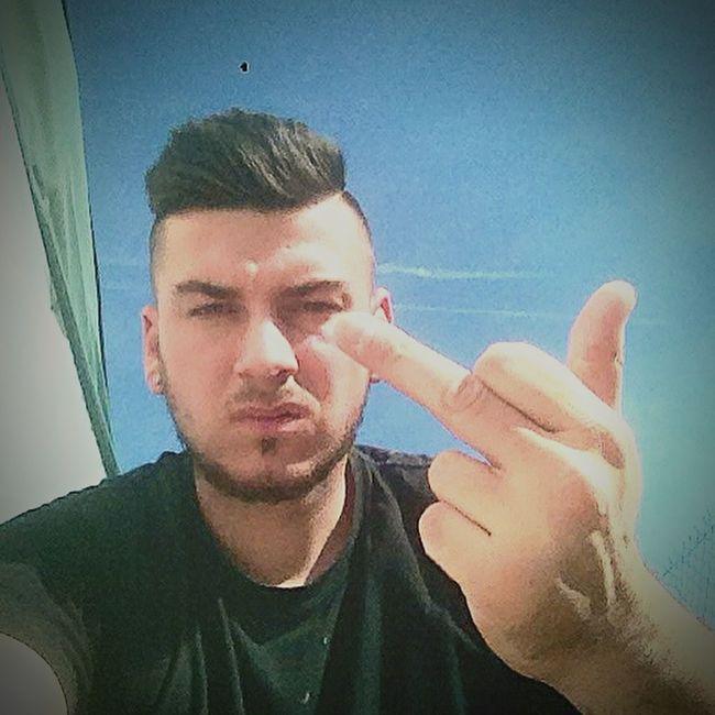 Un doigt dans l'cul a tous les ennemis Selfie ✌ Friends Taking Photos First Eyeem Photo