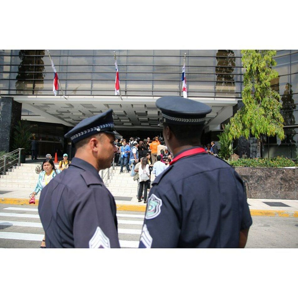 fight between press and security. Americas Summit Panamá Cumbresdelaamerica AmericasSummit America canon CanonTeam Canon70D 70D Press Photojournalist photojournalism Police Policeman