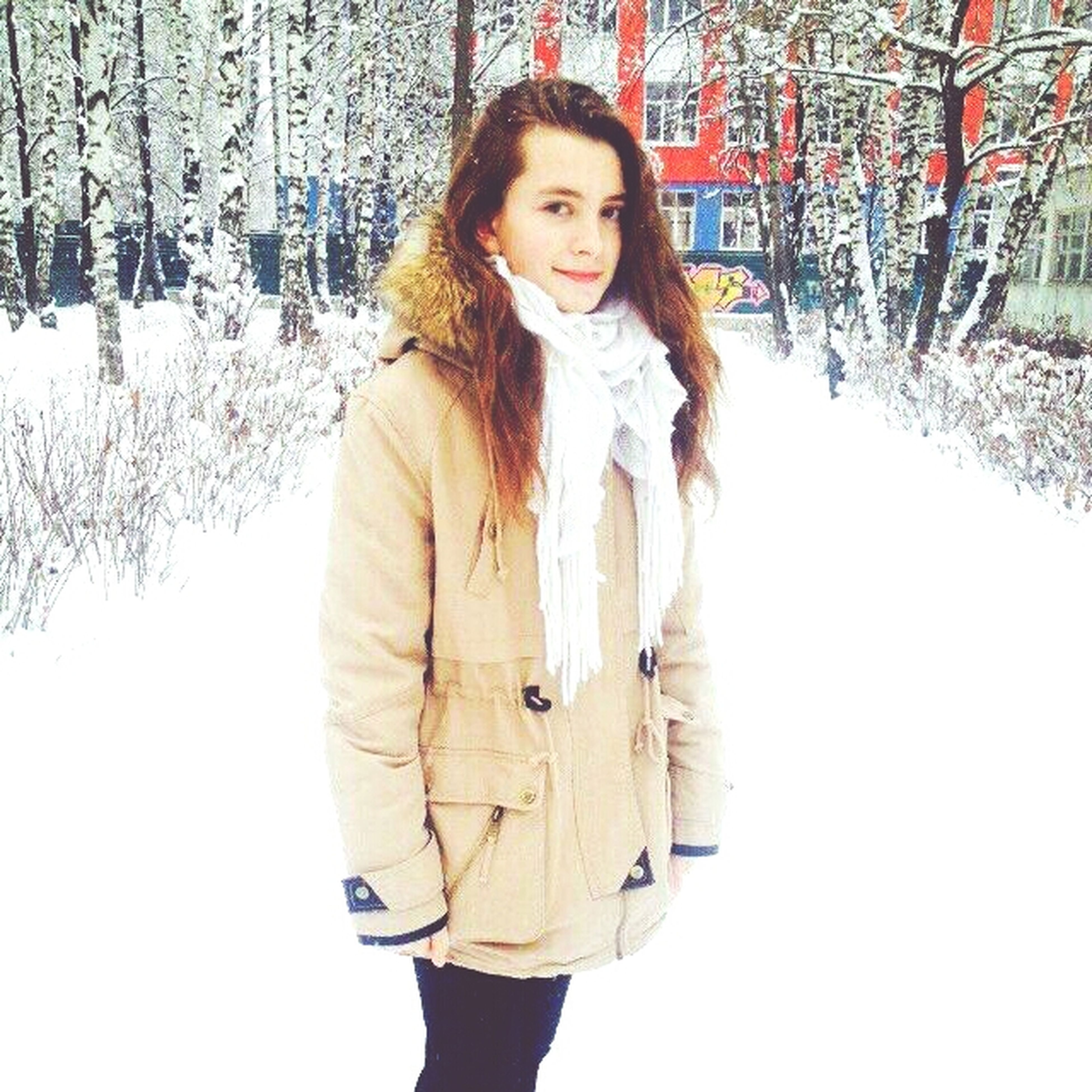portrait, looking at camera, person, front view, lifestyles, young adult, standing, young women, three quarter length, casual clothing, leisure activity, long hair, smiling, warm clothing, season, happiness, waist up, winter