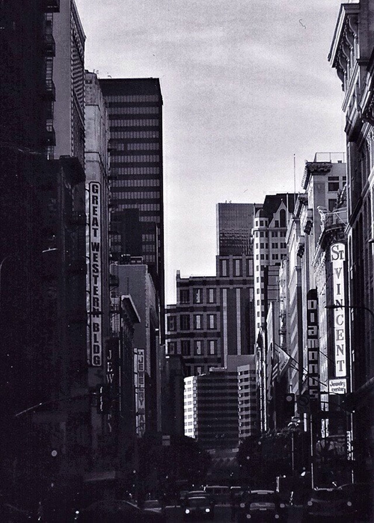 35mm Film Photo- 35mmfilmphotography 35mmphotography Architecture City City Life Cityscape Losangeles Bouqua Mehdi Architecture_collection Architecture_bw Black & White Black And White Blackandwhite Photography Portfolio Work Manual Mode Photography