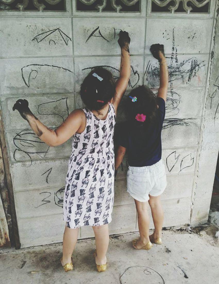 Girls Asiangirl Togetherness Drawing Friendship Creativity Kidshooter Kids Being Kids BlackHands Playful Whiteboard Imagination