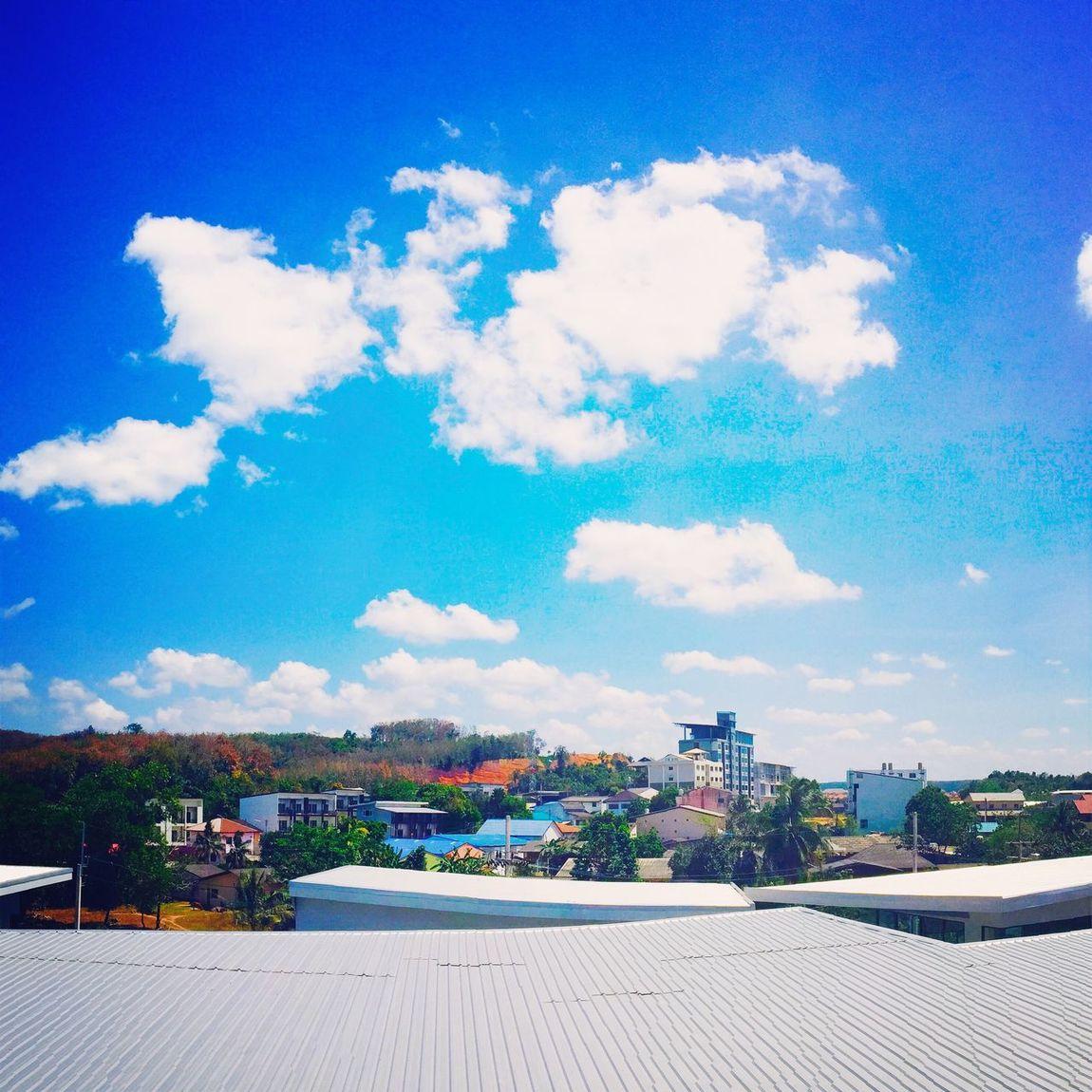 ท้องฟ้าสดใส ร้อนเชี่ยยยย