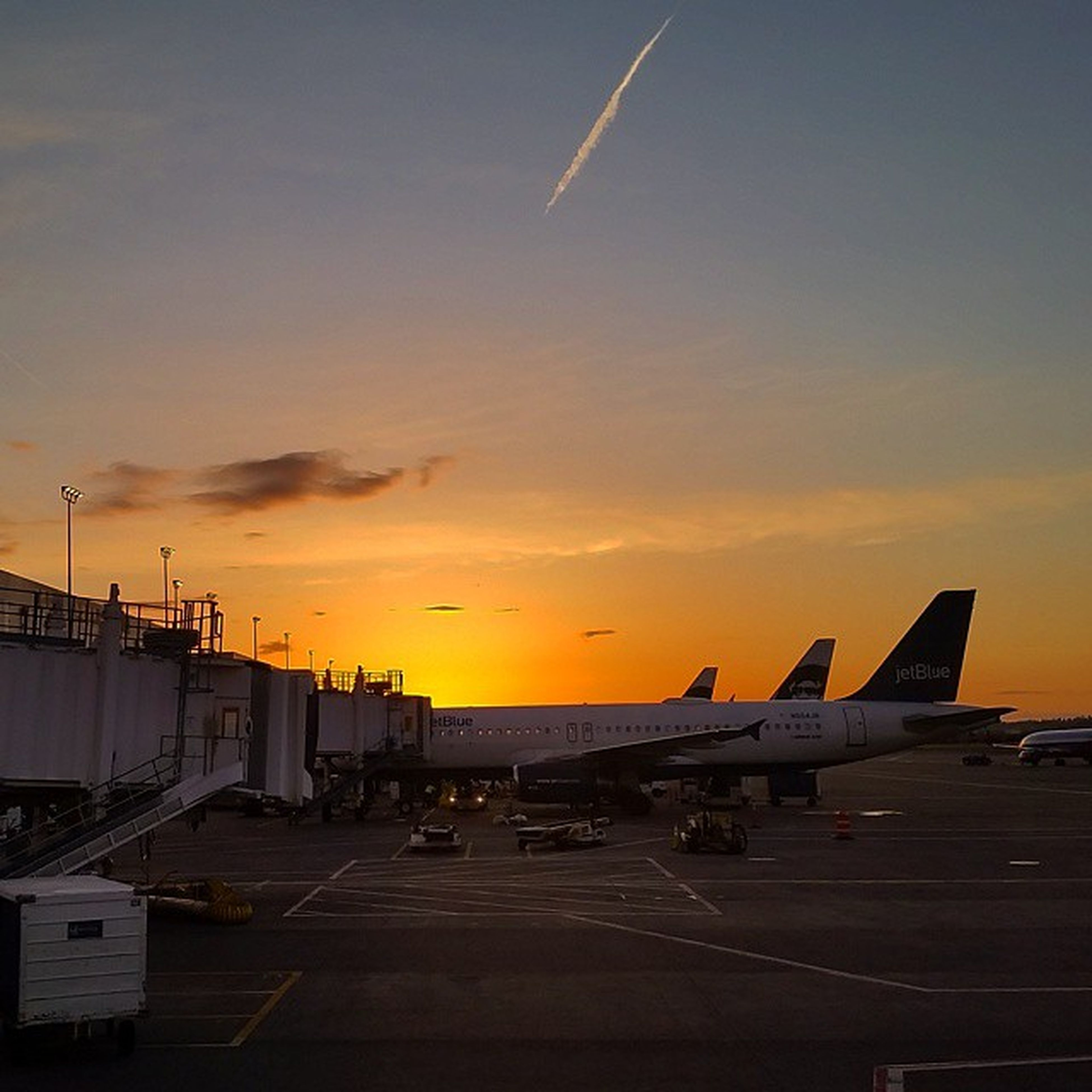 My seat selection based on watching the Sunset over the Pacificocean has turned into the view from TheTarmac OceanicFlight815 Travel Travellife